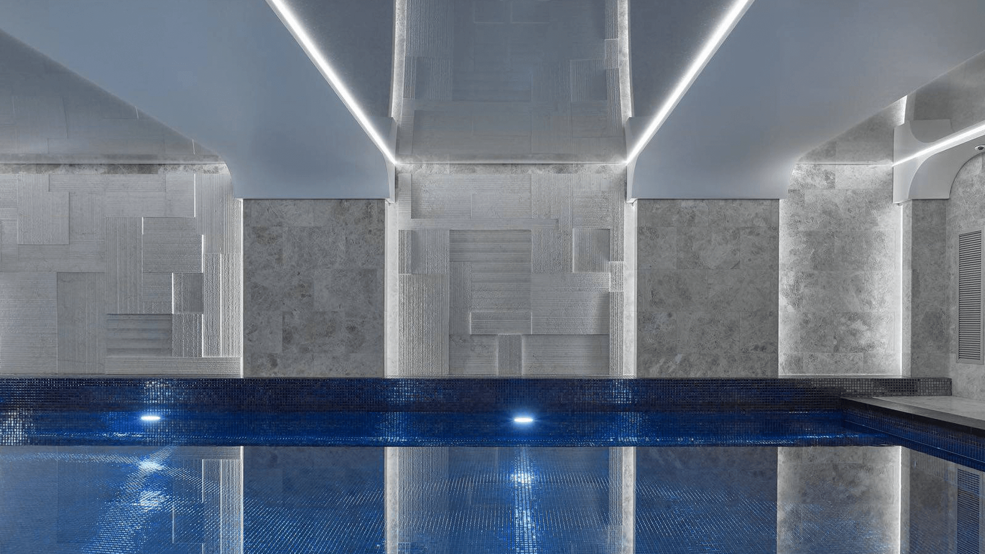 swimmingpool-linear-lighning-ceiling.png